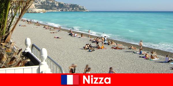 Приятни красиви плажове на Френската Ривиера