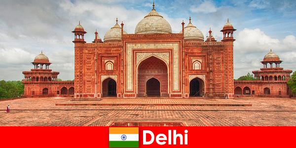 Пътуващите могат да намерят най-добрите забележителности в Индия в Делхи