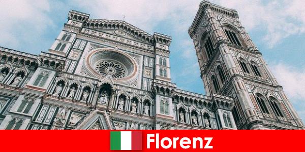 Флоренция с много исторически градове на изкуството привлича посетители от цял свят