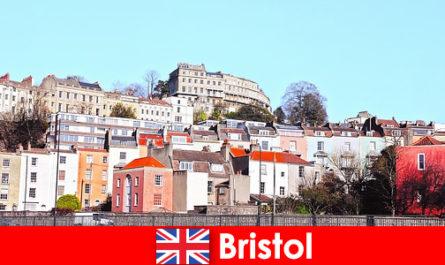 Бристол града с младежка култура и приятелска атмосфера за непознати