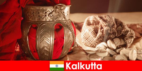 Паметниците и храмовете убеждават новите посетители със своите красоти на Калкута