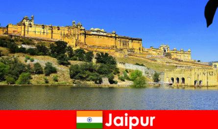 Непознатите в Джайпур обичат могъщите храмове