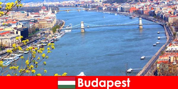 Будапеща в Унгария е популярен съвет за пътуване за къпане и уелнес почивки
