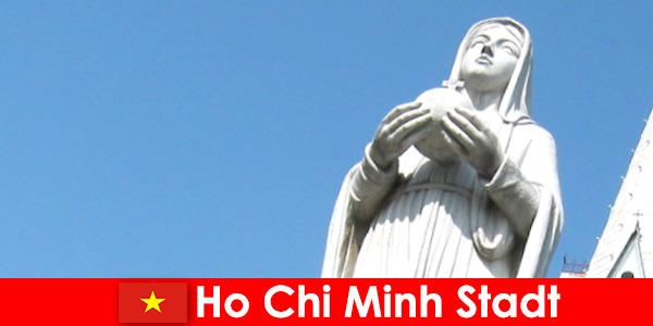 Икономически център на Виетнам Хошимин Сити дестинация за чужденци