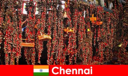Звуци и родни танци в храма очакват непознати в Ченай Индия