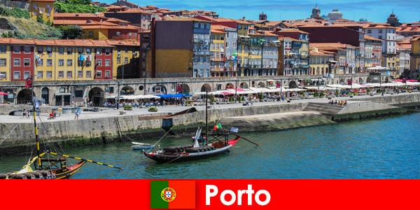 Градска почивка за посетителите на Порто Португалия с очарователни барове и местни ресторанти