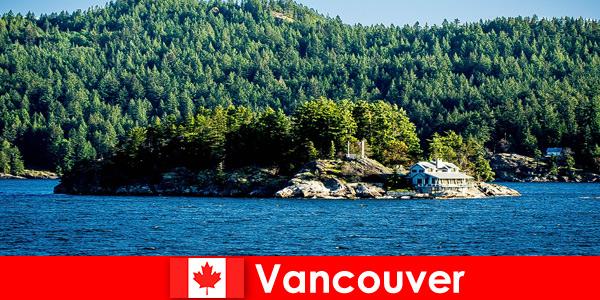 За чуждестранни туристи релакс и потапяне в красивия природен пейзаж на Ванкувър в Канада