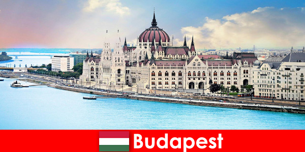Будапеща красив град с много забележителности за туристи