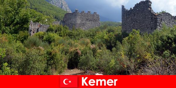 Учебно пътуване до древните руини в Кемер Турция за изследователи