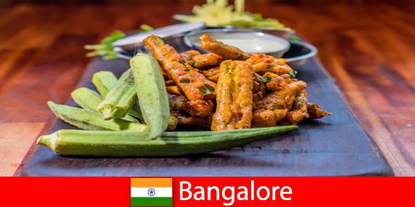 Бангалор в Индия предлага на туристите деликатеси от местната кухня и пазаруване