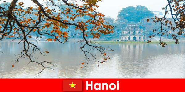 Ханой планина Виетнам Храм Нефрит и Храм на литературата зарадват туристите