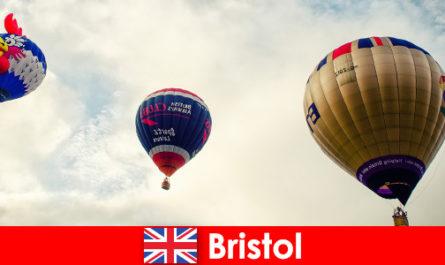 Почивка за смели туристи за полети с балон над Бристол Англия