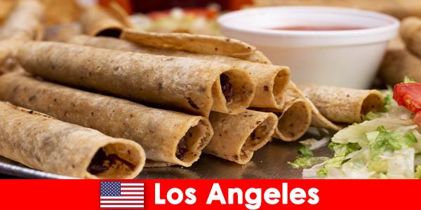 Чуждестранните посетители могат да очакват разнообразни кулинарни събития в най -добрите ресторанти в Лос Анджелис, САЩ