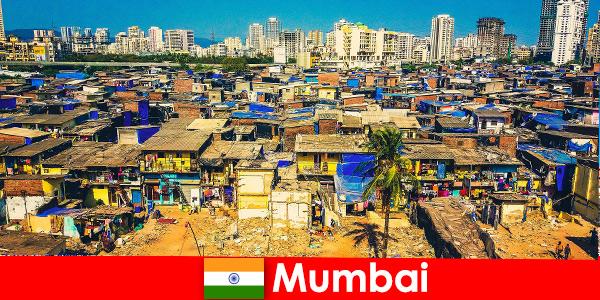В Мумбай Индия пътниците изпитват контрастите на този прекрасен град
